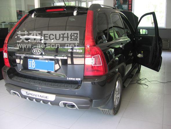 0升汽油发动机为直列四缸发动机,16气门双顶置凸轮轴发动机(dohc)兼备